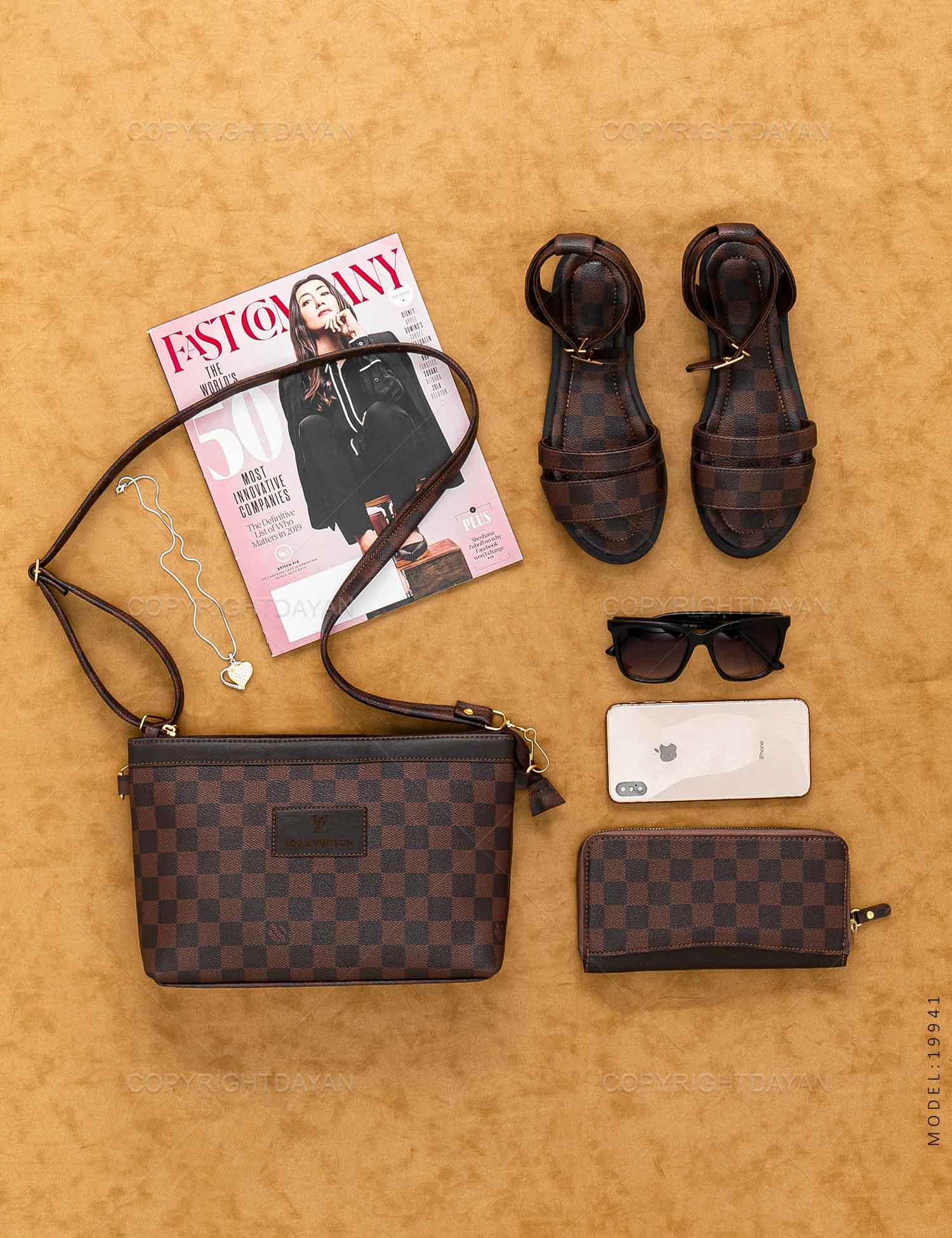 ست سه تیکه زنانه Louis Vuitton مدل 19941 ست سه تیکه زنانه Louis Vuitton مدل 19941 199,000 تومان تومان