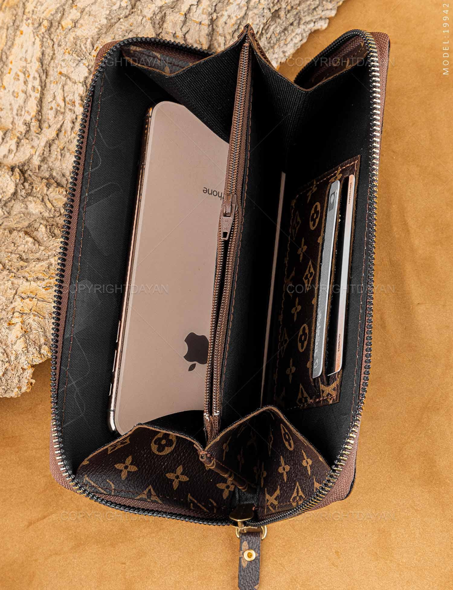 ست سه تیکه زنانه Louis Vuitton مدل 19942 ست سه تیکه زنانه Louis Vuitton مدل 19942 189,000 تومان