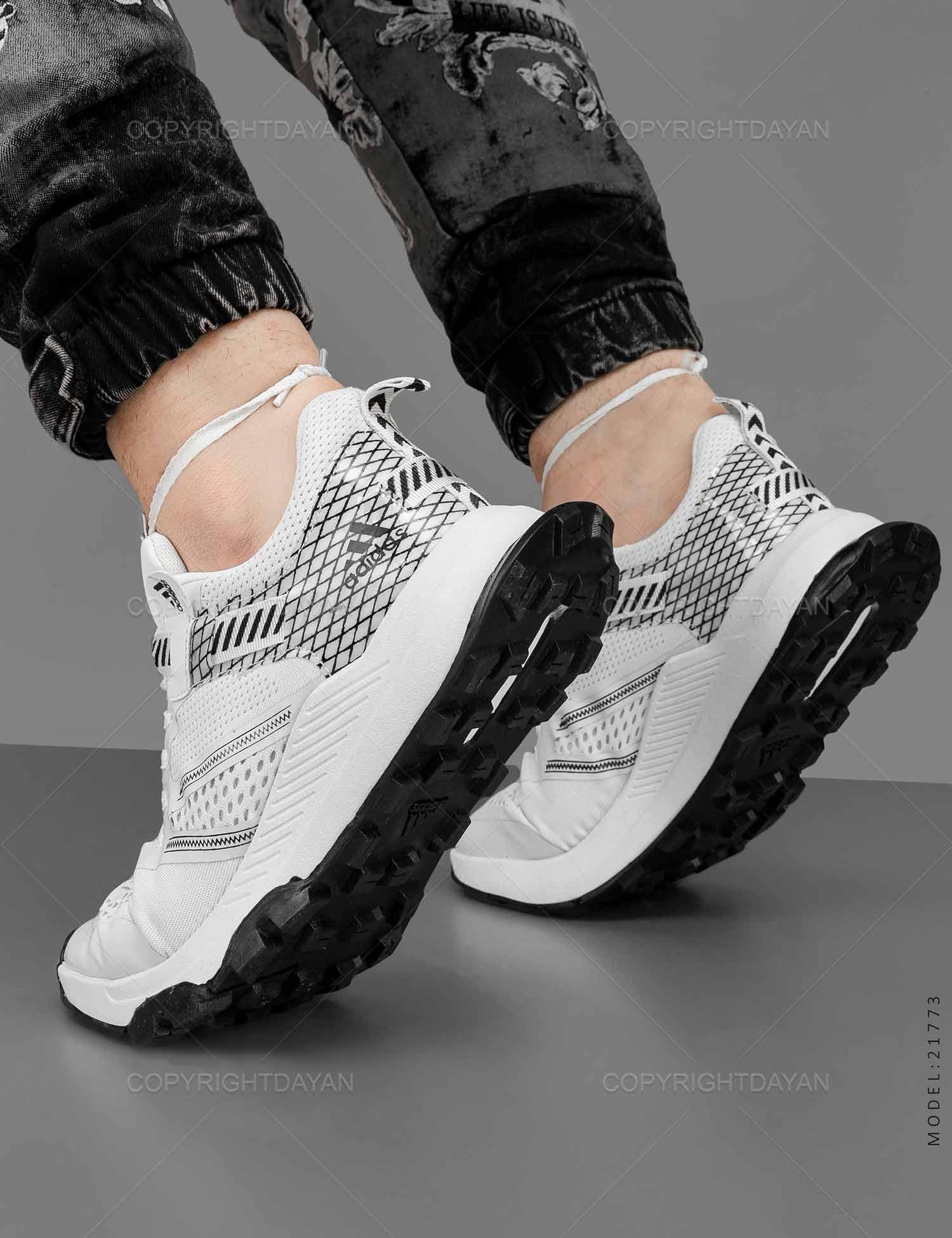 کفش ورزشی مردانه Adidas مدل 21773 کفش ورزشی مردانه Adidas مدل 21773 329,000 تومان