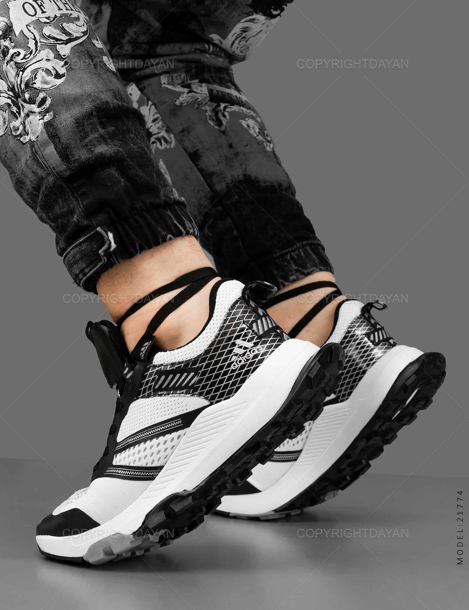 کفش ورزشی مردانه Adidas مدل 21774 کفش ورزشی مردانه Adidas مدل 21774 329,000 تومان