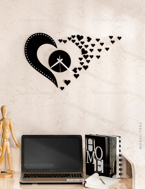 ساعت دیواری روکش مخمل طرح Love